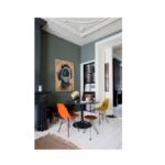 Stile classico e pezzi di design per un mood esplosivo: scopri la casa di Theo-Bert Pot